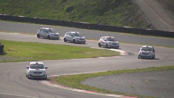 Giagua - Luca Lorenzini comanda la gara 1 della Green Scout Cup nell'autodromo di Franciacorta